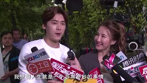 何炅调侃李易峰为 老鲜肉