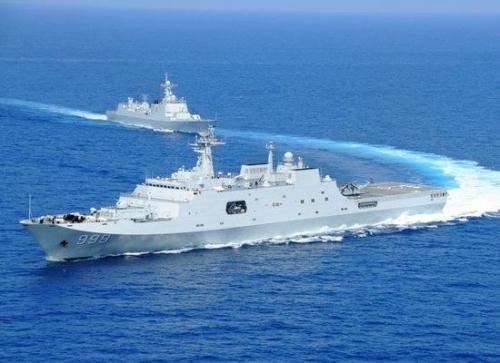 新年第一天就巡航南海:航母、战舰、舰载机,中国海军真火了!