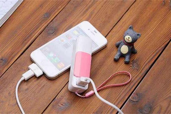 """小心!这些品牌的充电宝被检测出不合格 可能秒变""""充电爆"""""""