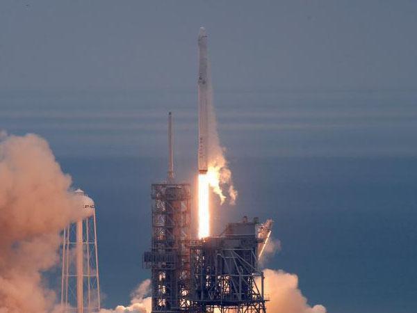 """美""""二手""""火箭成功发射后再次回收"""