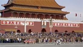 《四十年四十个第一》第一次举办国际马拉松赛