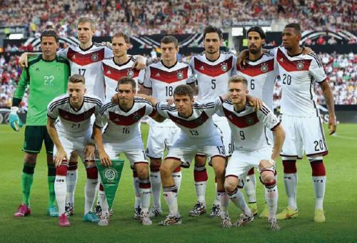《一本正经世界杯》:啤酒、香肠、土豆!德国队到底是不是来踢球的?