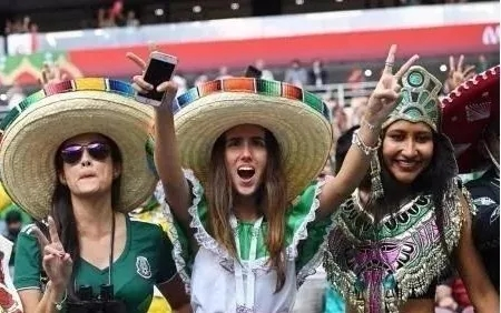 《一本正经世界杯》:墨西哥赢球竟引发地震...还好国足没进世界杯