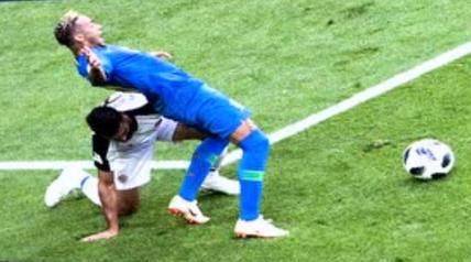 《一本正经世界杯》本届世界杯最佳裁判非VAR莫属